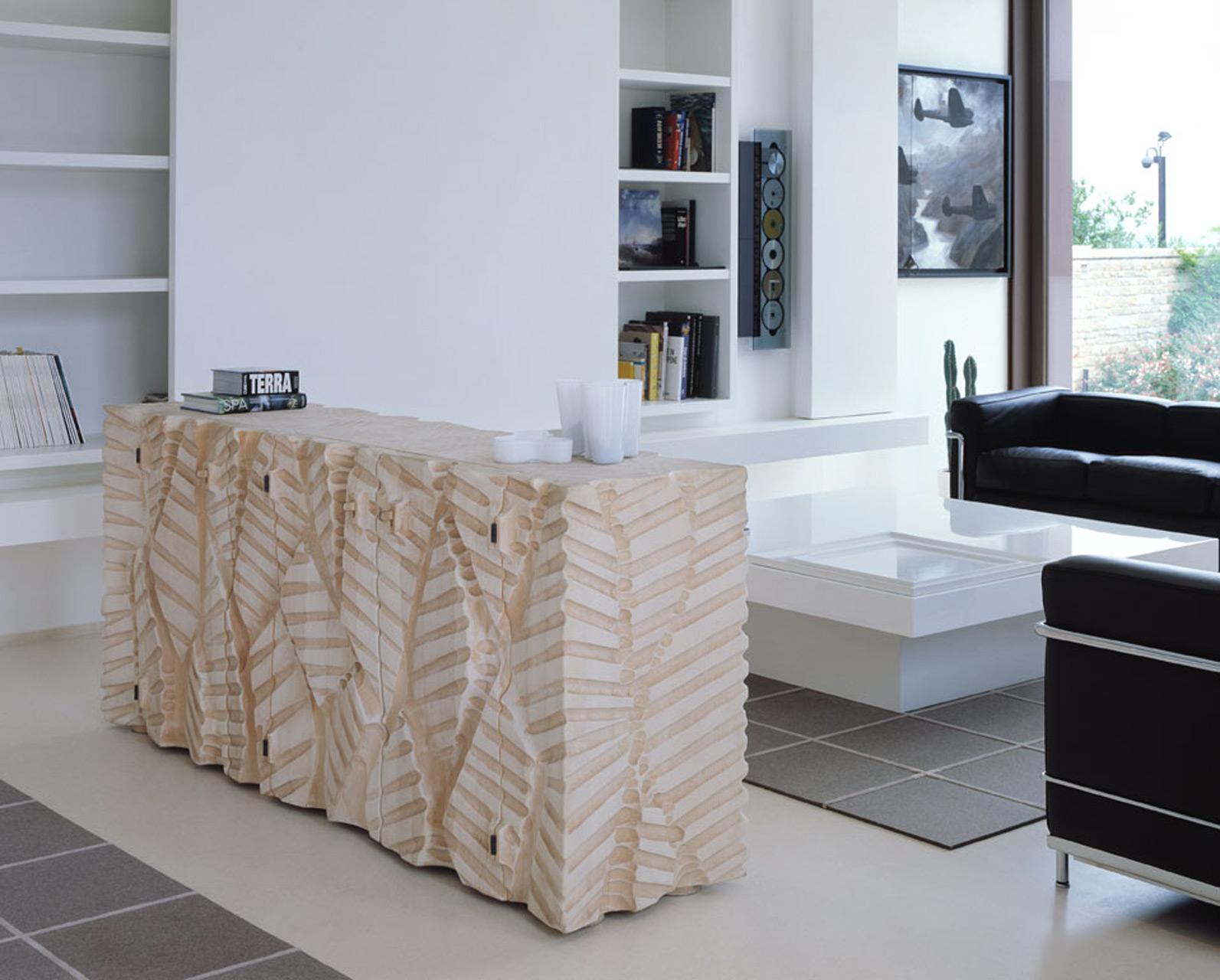 Dolmen cabinet in linden wood