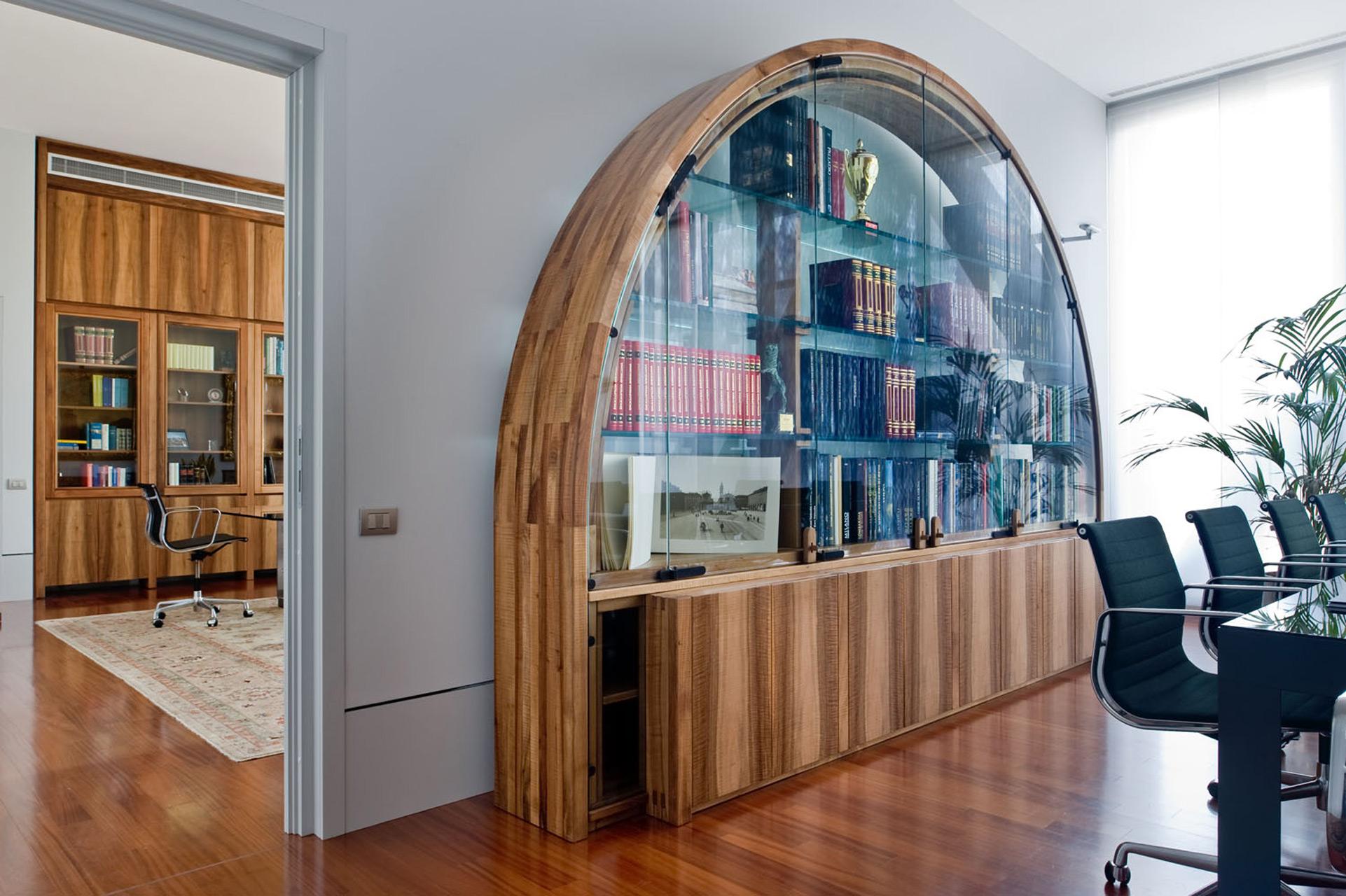 Large arch in Italian walnut