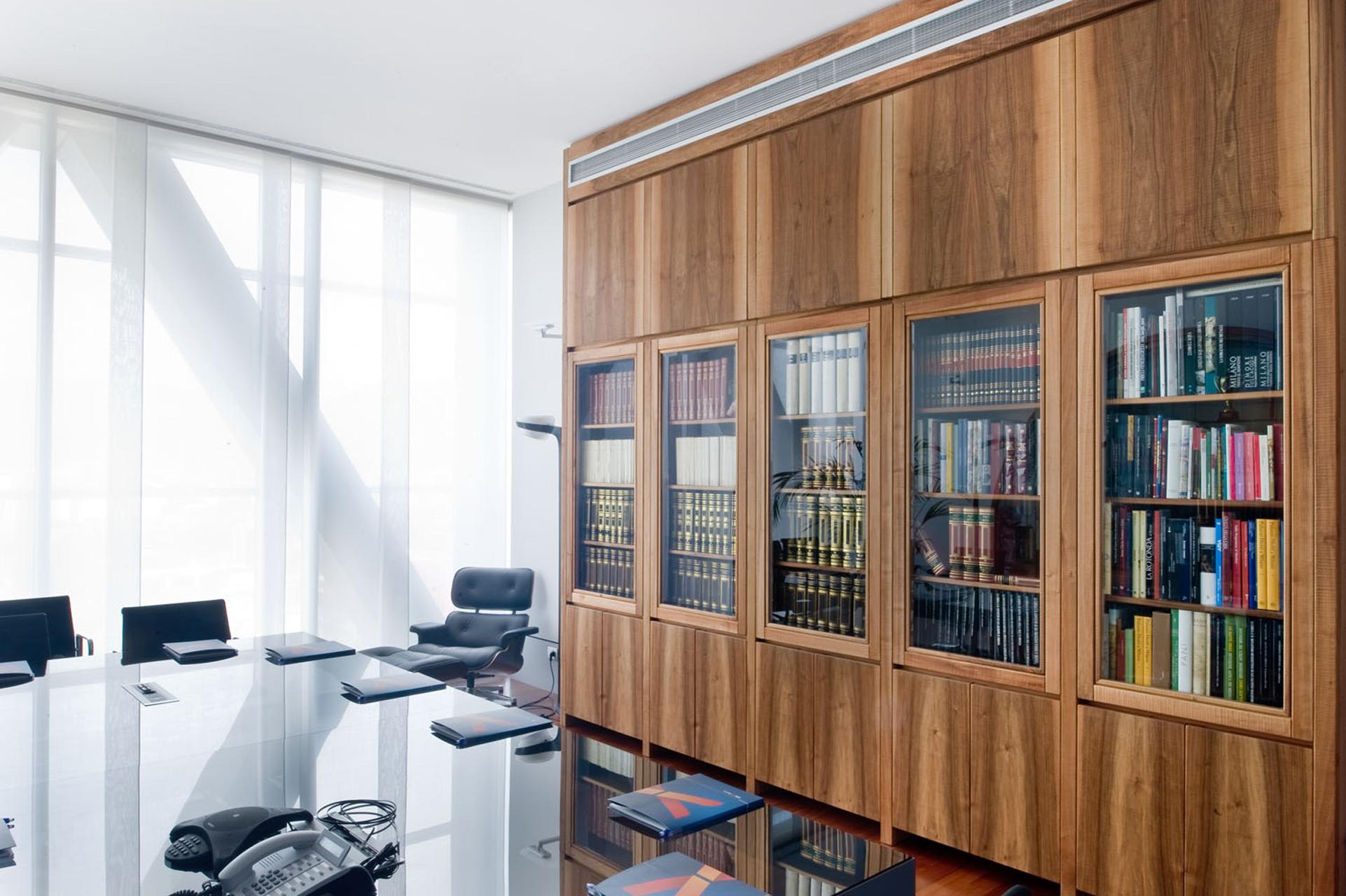 Bespoke cupboard in Italian walnut