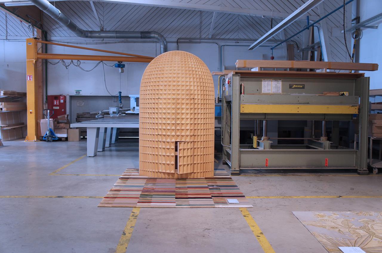 Madia intagliata (Wood furniture design)
